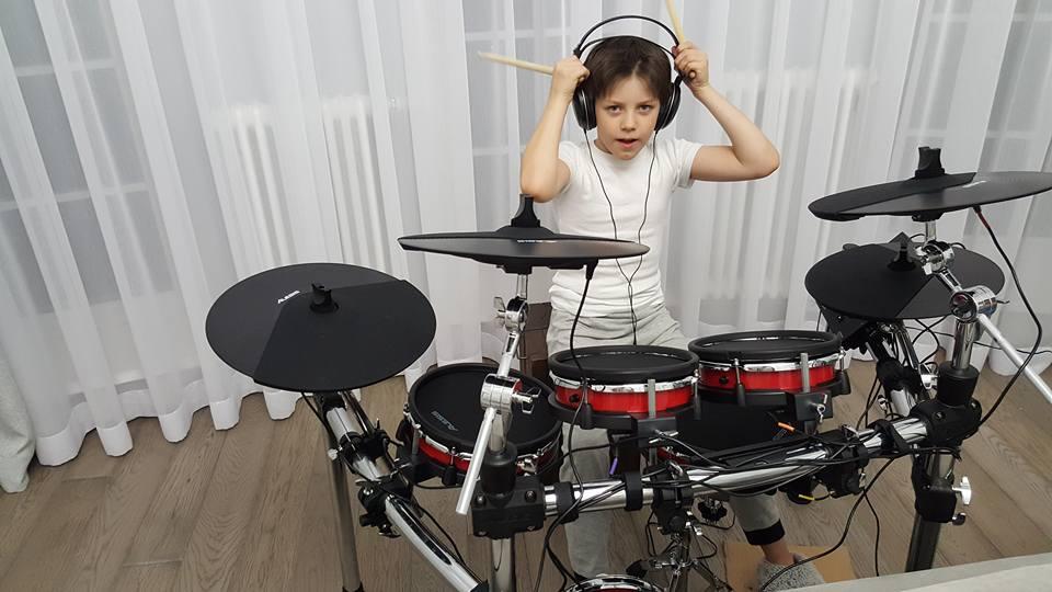 Сын украинского шоумена попал в поликлинику в собственный день рождения