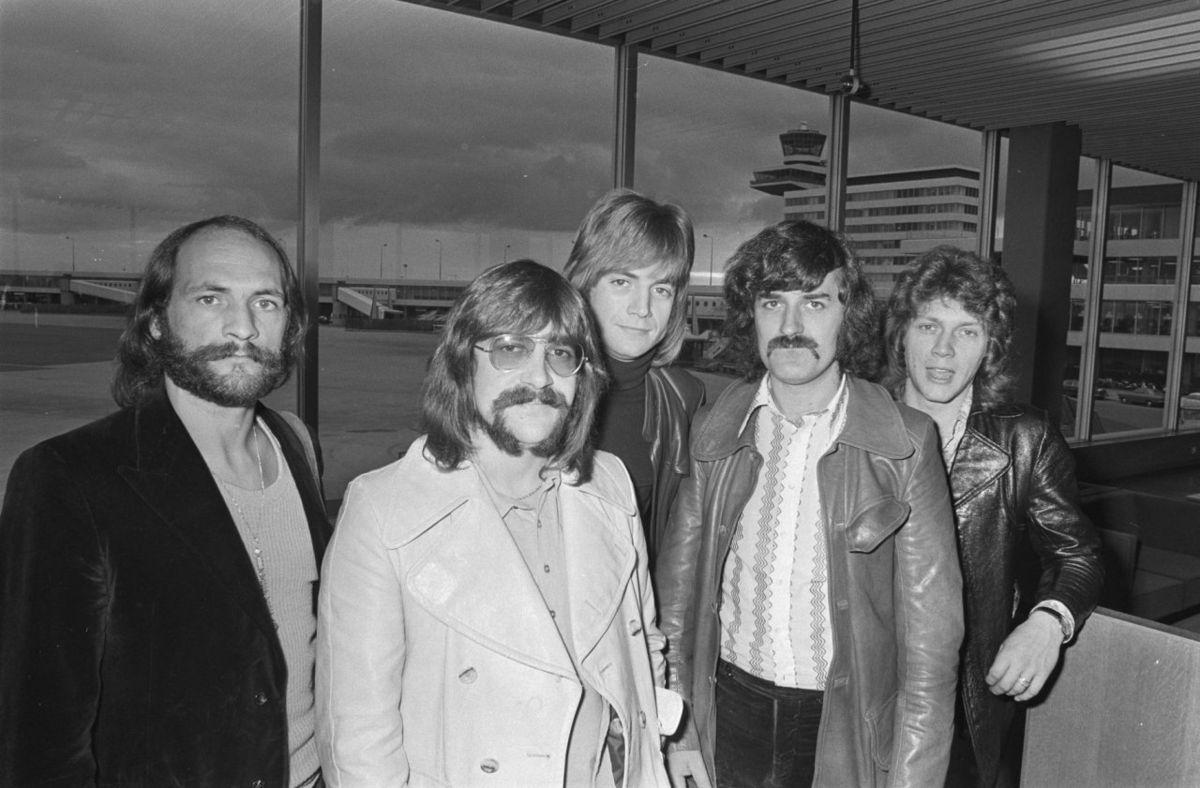 Скончался основатель легендарной рок-групп The Moody Blues Рэй Томас