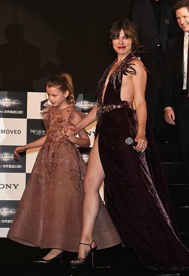 Актриса Милла Йовович предстала во всей красе милла йовович супруг