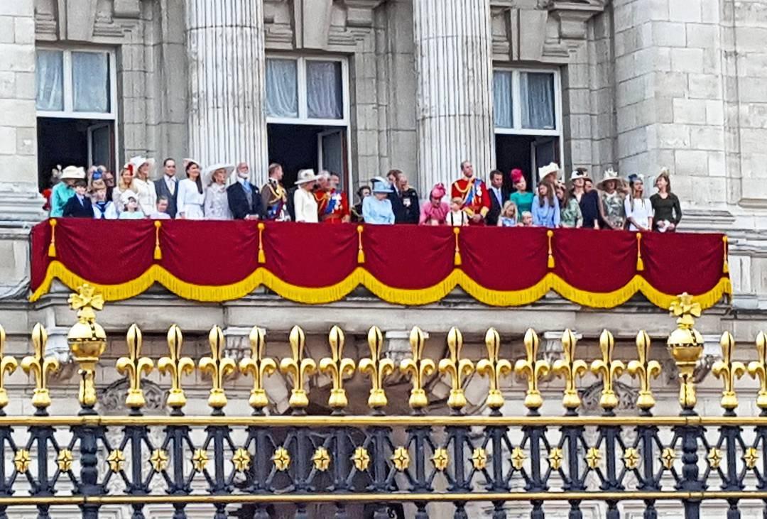 Лукашенко поздравил ЕлизаветуII с общенациональным праздником— Днем рождения Королевы