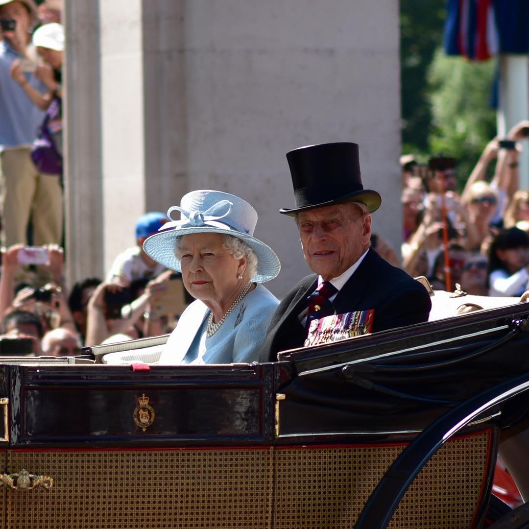 Сразу пятеро королевских гвардейцев потеряли сознание вовремя парада встолице Англии