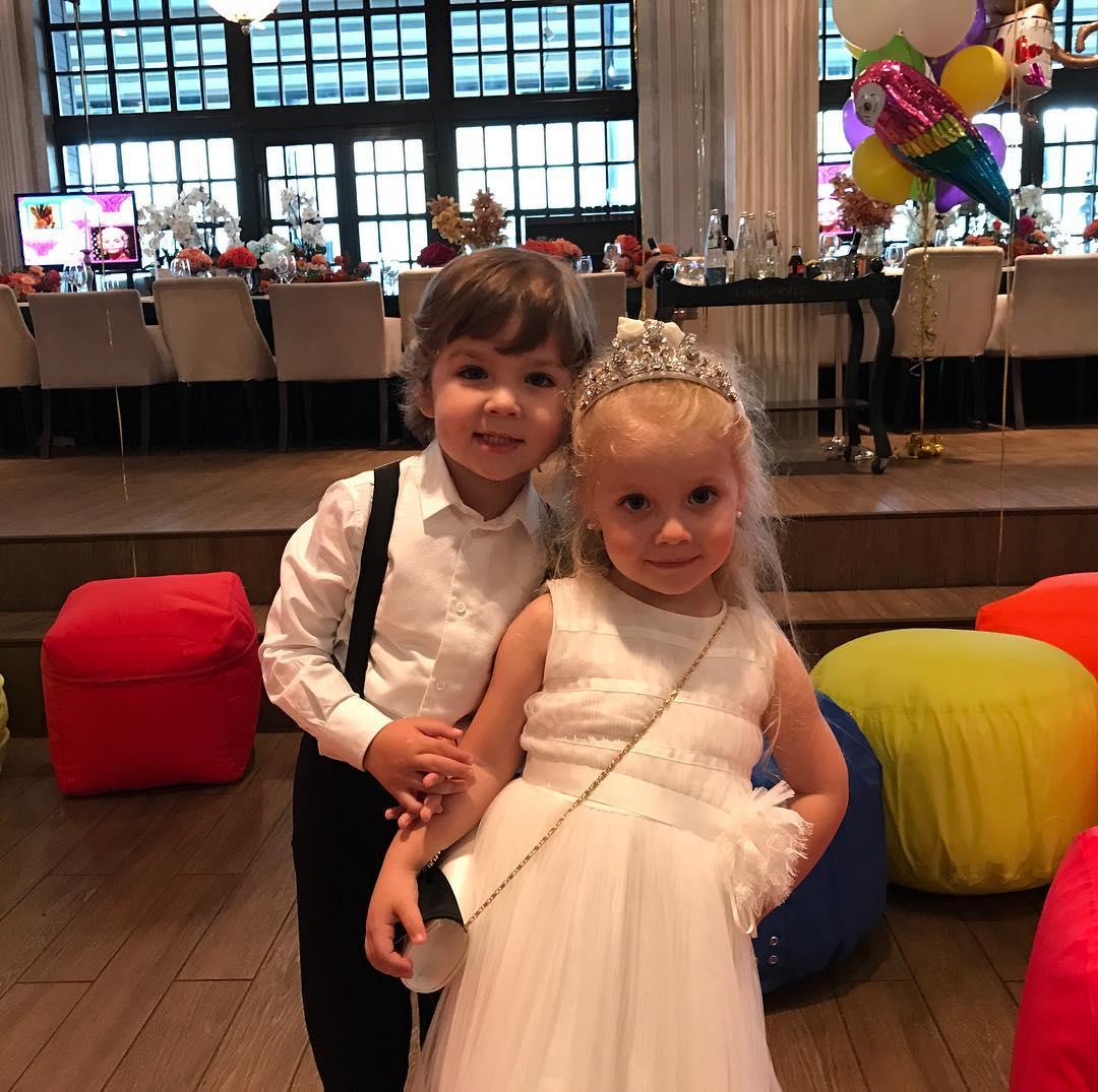 Дети Пугачёвой и Галкина последние фото 2017 фото - DIWIS 78