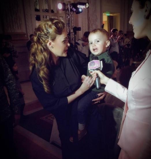 Украинская эстрадная певица впервый раз вывела детей всвет: появились фото