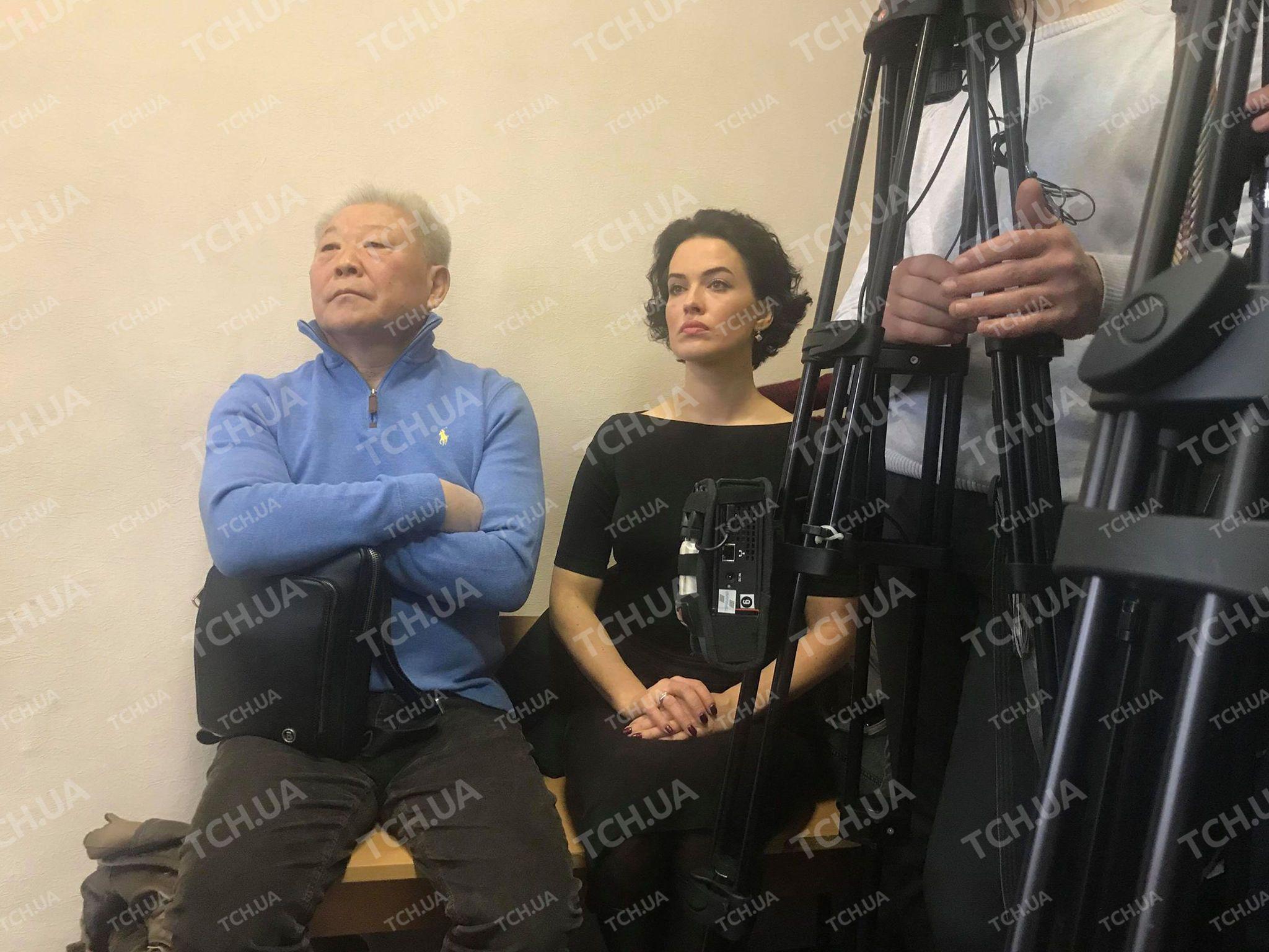 Дашу Астафьеву удалили с совещания суда поделу еежениха