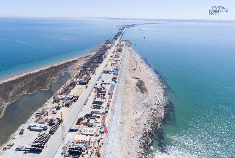 Мост через Керченский пролив соединит берега уже данной осенью