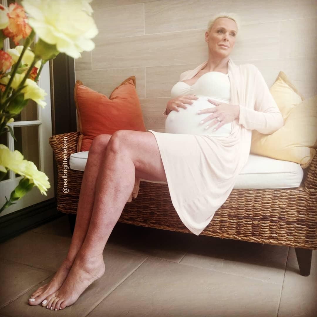 Картинки по запросу бриджит нильсен беременна