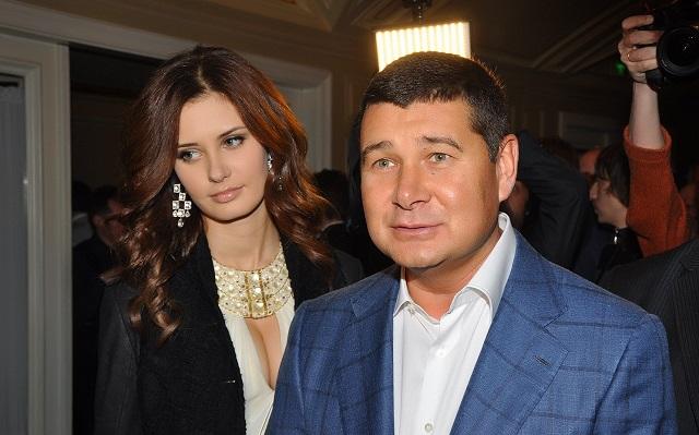 Онищенко позировал в компании Сталлоне, Стэтхэма и Лундгрена