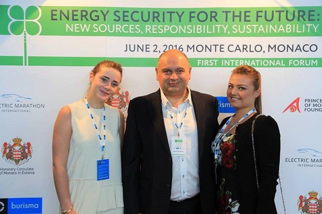 Министр Злочевский проводит время в Монако
