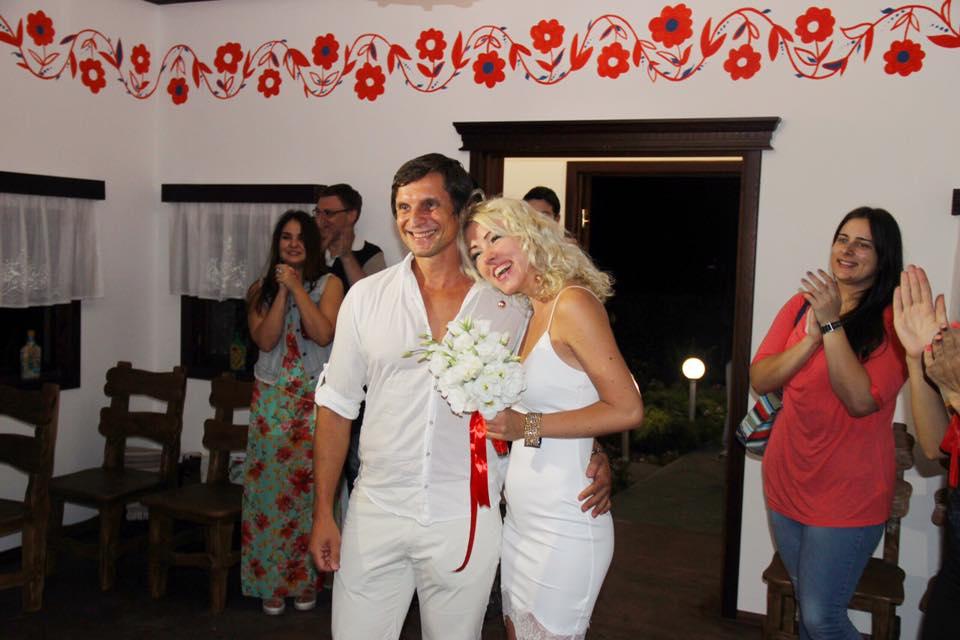Михаил Саакашвили присутствовал на первой в Украине ночной свадьбе