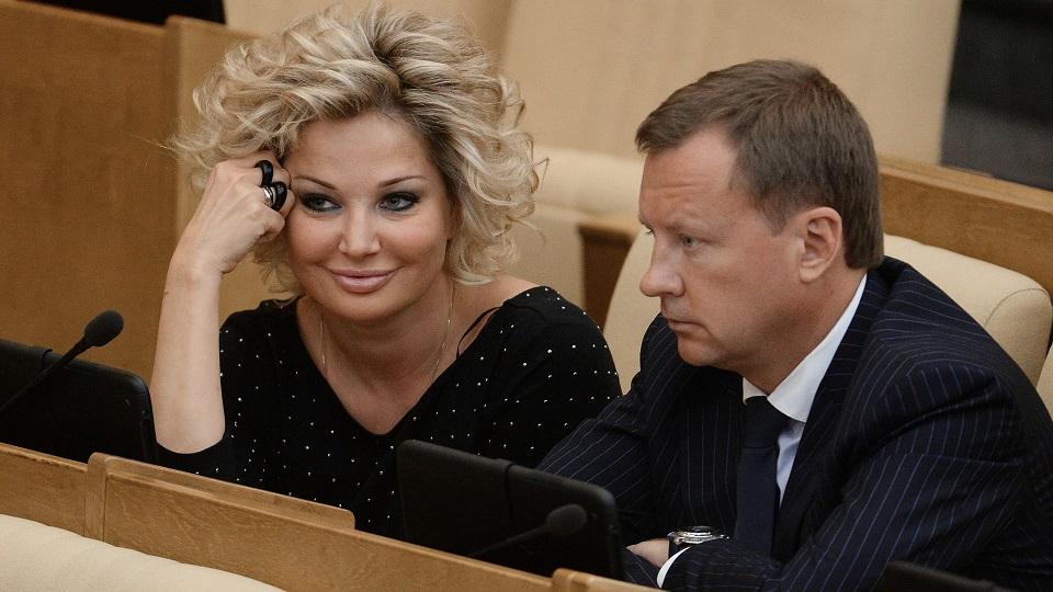 """Результатом дискуссий между представителями """"Единой России"""" и КПРФ может стать еще один ребенок"""
