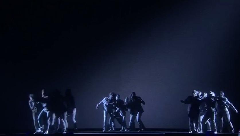 Танцевальная постановка про серых людей покорила соцсети