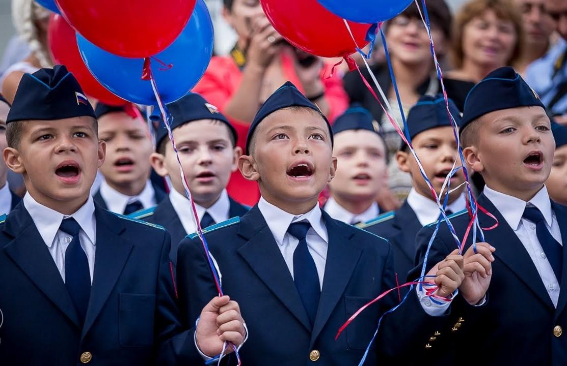 """Кто и как """"оскорблял"""" российский гимн с момента его утверждения Путиным в 2000 году"""