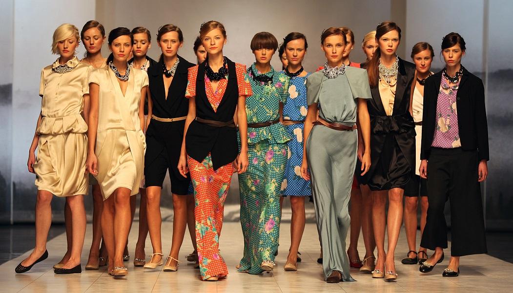 Гости недели моды стали объектом насмешек в сети