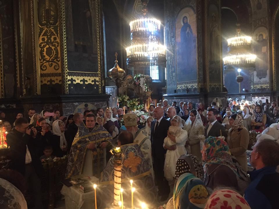 Нардеп решила окрестить свою долгожданную внучку во Владимирском соборе Киева