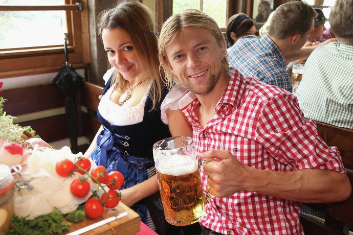 Супругу Анатолия Тимощука, которая разводится с ним, удивило решение суда в Украине