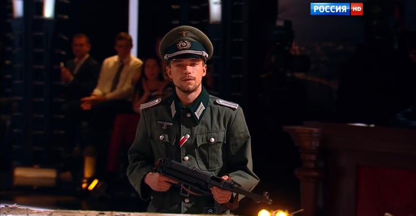 Актер Александр Петров выступил в фашистской форме