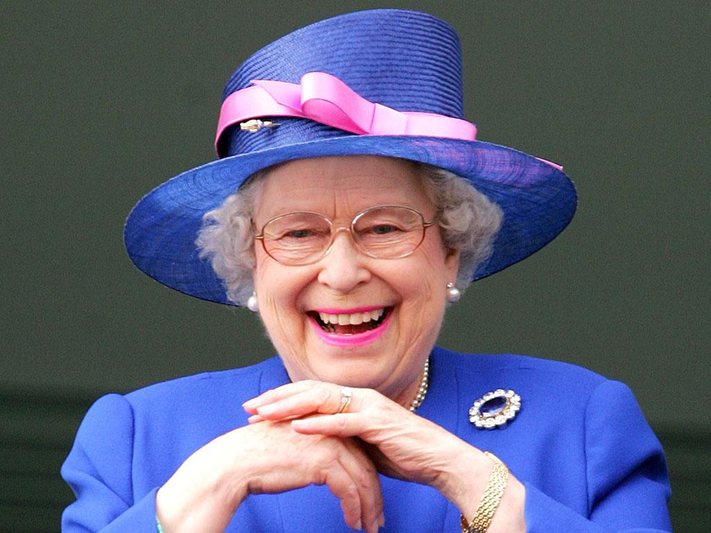 Королева Елизавета II впечатлила своей улыбкой