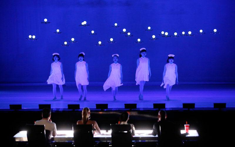 Японские танцовщицы поразили необычным шоу