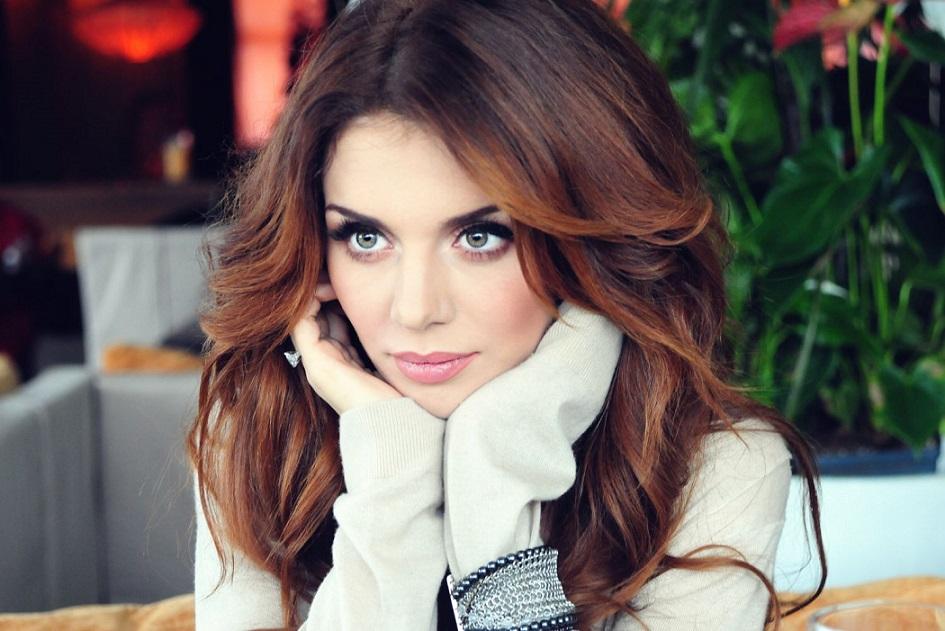 Анна Седокова похвасталась горячим поцелуем Антонио Бандераса