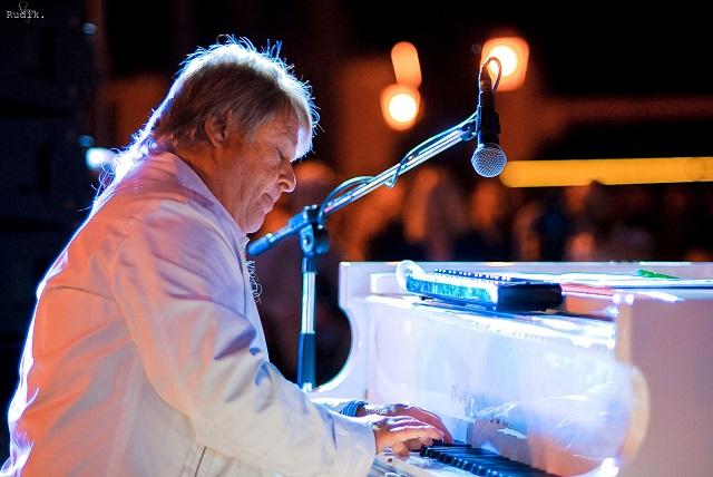 В сети обсуждают смерть джазового музыканта Юрия Кузнецова