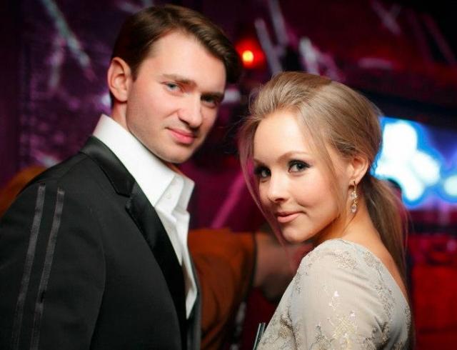 Расстояние и работа в разных странах послужили причинами развода Шоптенко и Дикусара