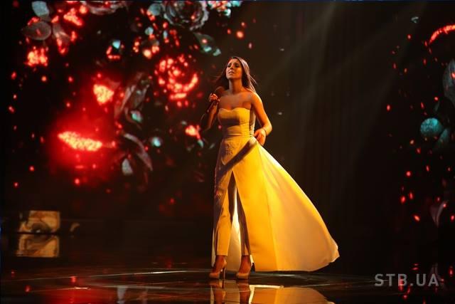 Певица приняла запрет на крымскотатарский флаг
