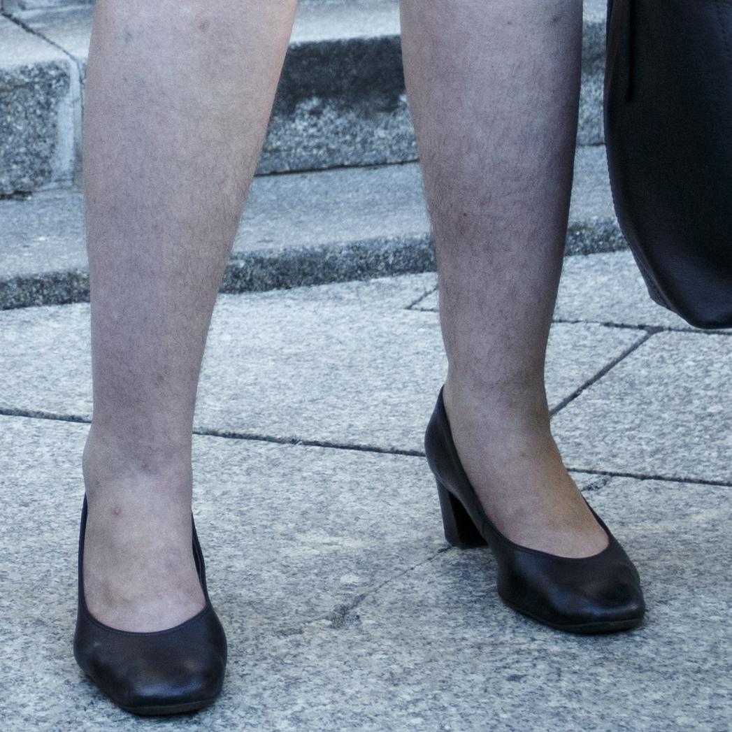 Волосатые женские ноги фотки смотр