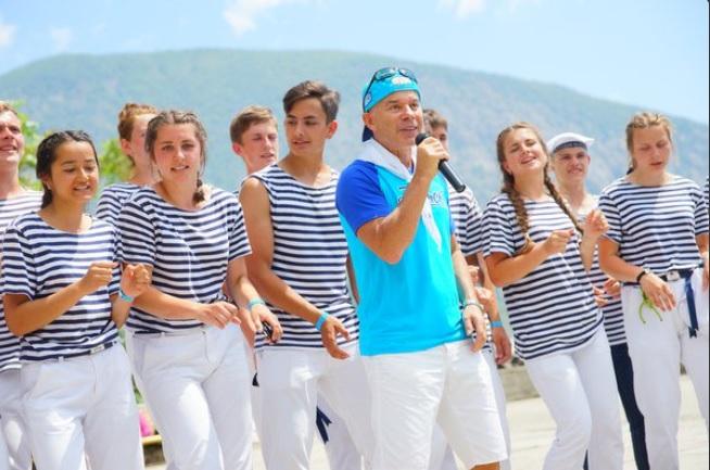 Олег Газманов спел и станцевал в аннексированном Крыму