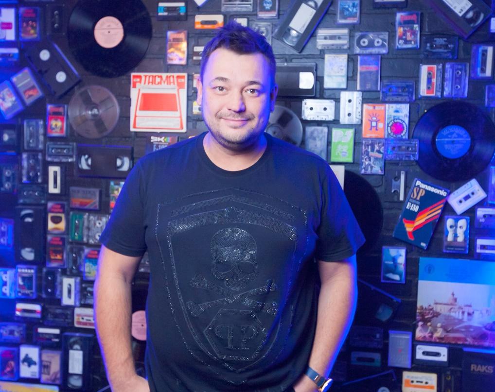 Сергей Жуков устроил вечеринку кому за… встиле «Руки вверх!»