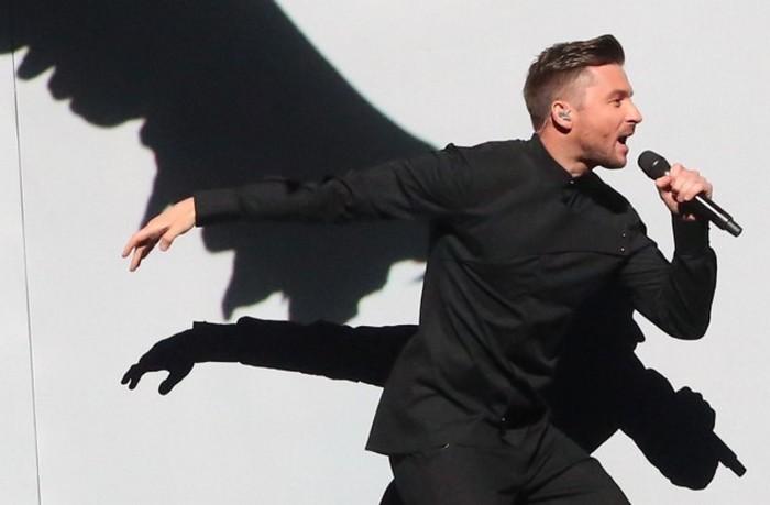 В сети обыграли поражение российского певца на песенном конкурсе