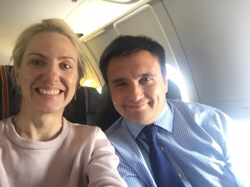 Залищук и Климкин сделали селфи в самолете