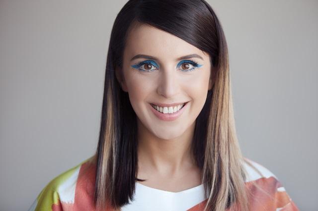 Украинская певица показала в сети необычную прическу