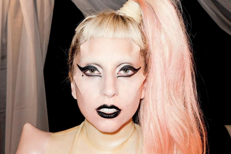 Леди Гага устроила интригу всвязи свыходом нового клипа