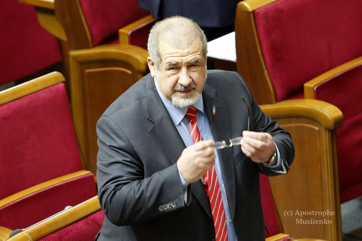 Рефата Чубарова расцеловали коллеги по фракции