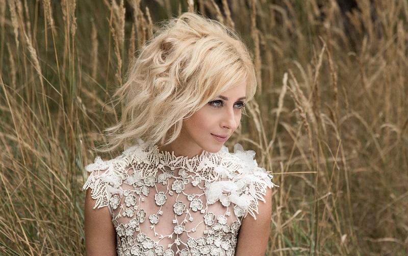 Тоня Матвиенко использовала в песне голос своей бабушки