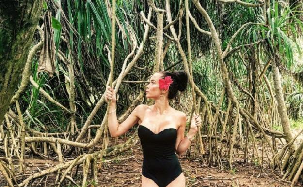 Украинская певица встала в позу Ким Кардашьян