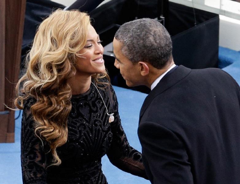 Проститься с президентом США Бараком Обамой, который покидает свой пост, собрались голливудские звезды и американские знаменитости