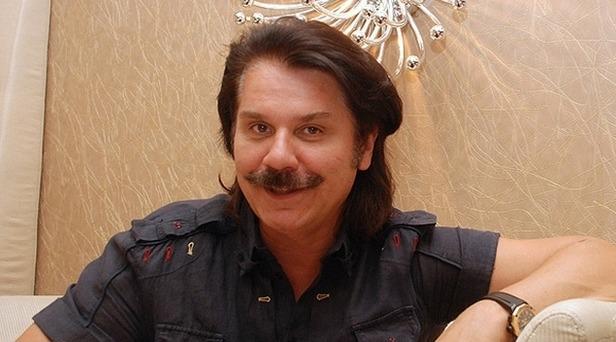 Павел Зибров спел про рейки-рейки, шпалы-шпалы