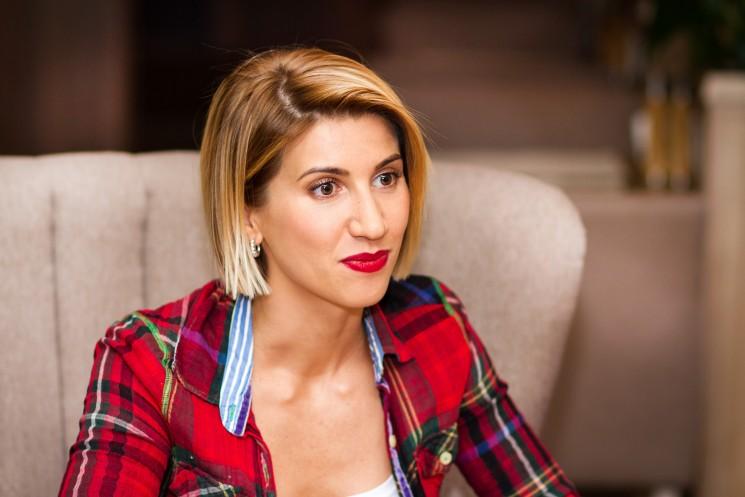 Анита Луценко блеснула подтянутой фигурой в купальнике
