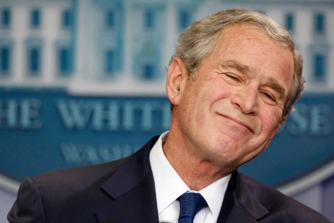 Джордж Буш-младший решил потанцевать во время церковной службы по погибшим полицейским