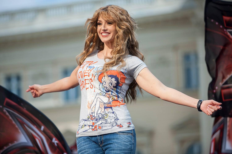 Оксана Марченко блеснула в сети новой внешностью
