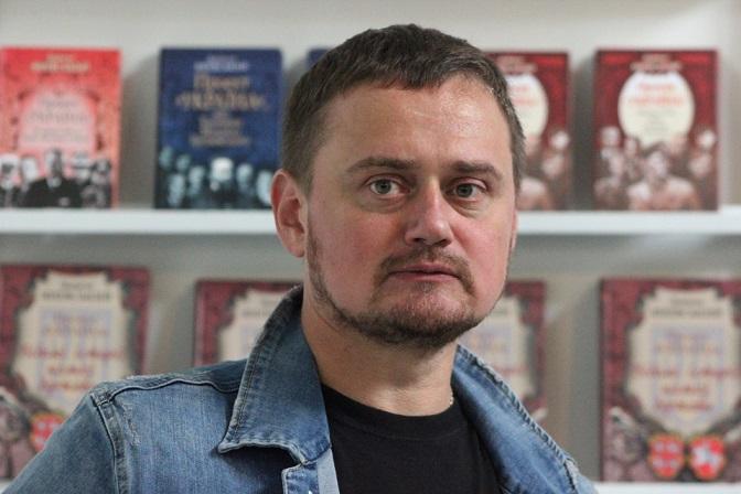 Андрей Кокотюха также свообразно отметился в рамках женского флешмоба