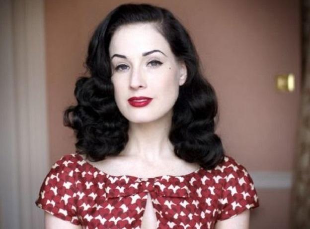 Дита фон Тиз выбрала недешевое платье-вышиванку популярного украинского дизайнера