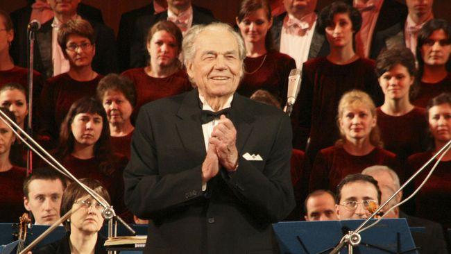 Гнатюк принимал участие в концерте по случаю юбилея Сталина