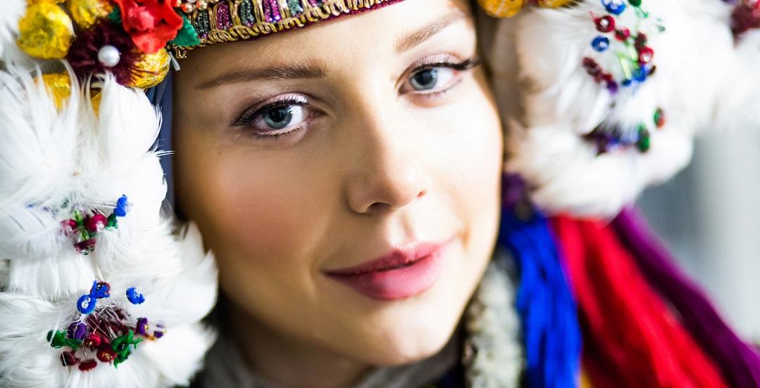 Певица примерила национальный костюм XIX века