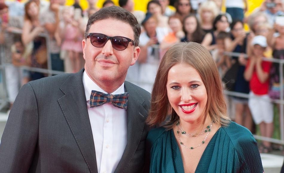 Максим Виторган высмеял сотрудников желтой прессы, сообщивших, что его супруга тайно родила ребенка