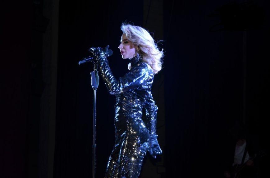 Светлана Лобода спела в Мариуполе