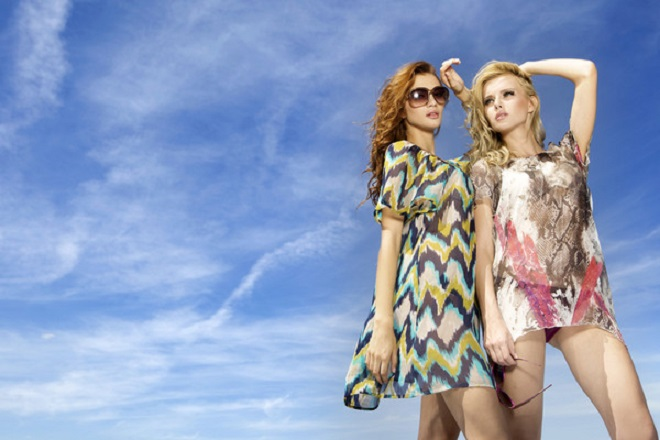 Пользователи сети иронизируют над светскими модницами