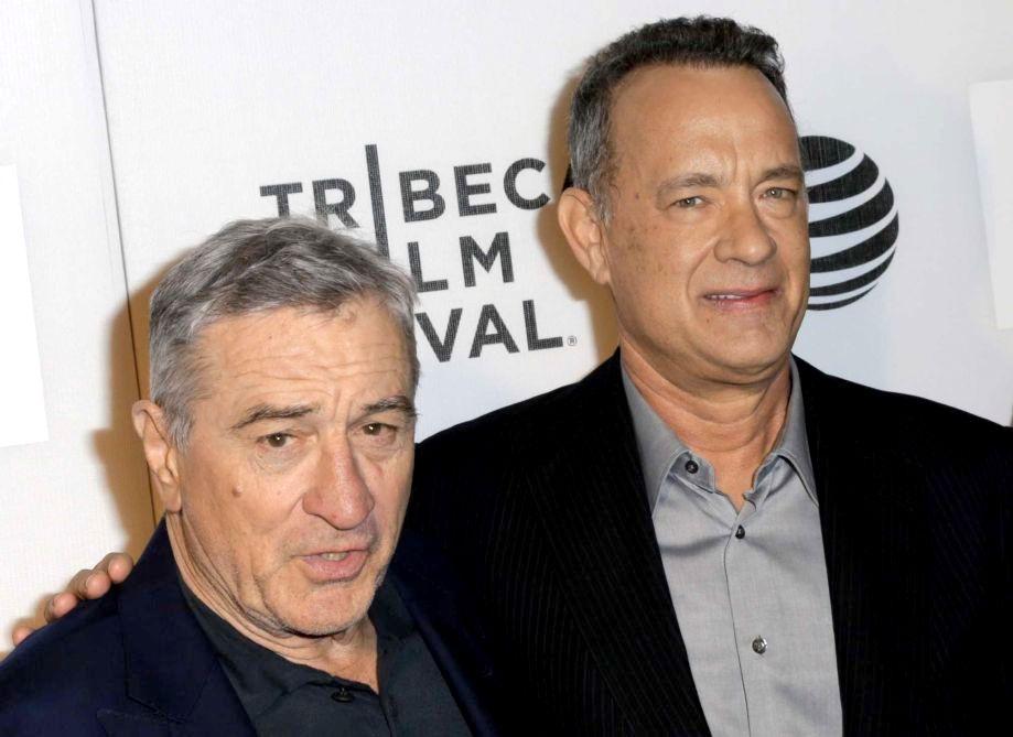 Известные голливудские актеры приняли участие во флешмобе