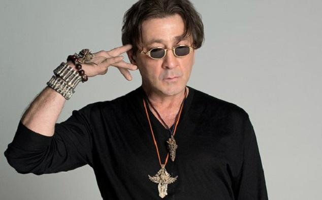 Певцу посоветовали написать новые хиты и гастролировать в Крыму